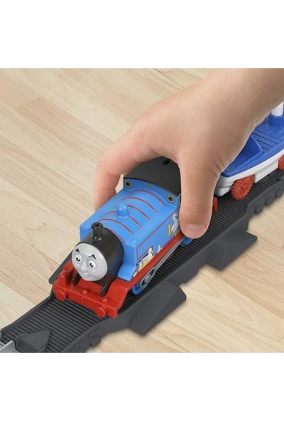 Thomas ve Arkadaşları - Thomas ve Skiff Açılır Köprü Macerası Seti (Motorlu Trenli) GWX09