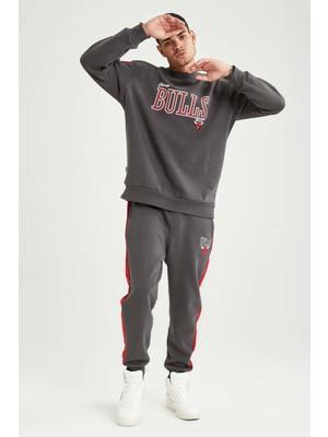 DeFacto NBA Chicago Bulls Lisanslı Regular Fit Pamuklu Jogger Eşofman Altı U9856AZ21AU