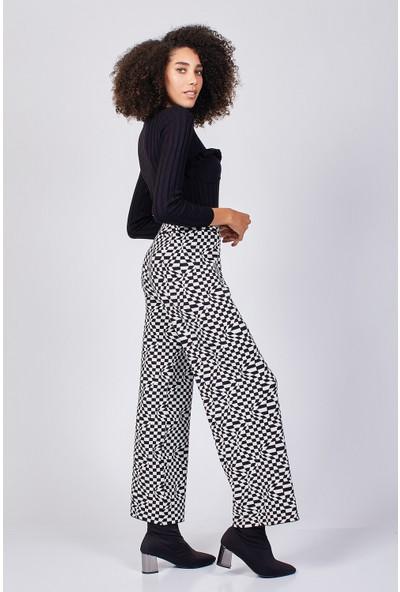 Coral Ekose Desen Pantolon Siyah - Beyaz