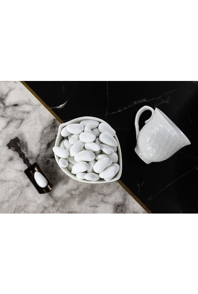 Melodi Çikolata Beyaz Renkli Badem Şekeri 500 gr
