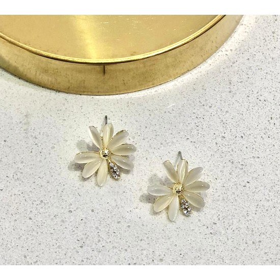 Lilya Accessory Taşlı Çiçek Gold Küpe