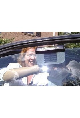 Auto Cool Güneş Enerjisiyle Çalışan Araç İçi Hava Temizleyici