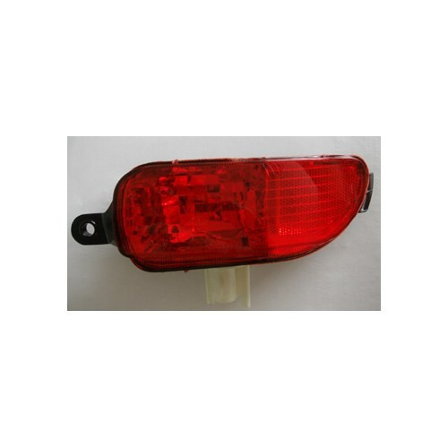 Opel Corsa- C- 01/03 Arka Sis Lambası Sağ Kırmızı 3/5 Kapı