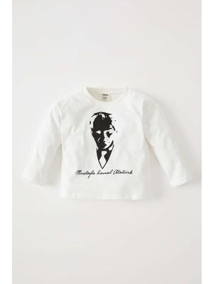 DeFacto Erkek Bebek 29 Ekim Atatürk Baskılı Uzun Kollu Tişört V9019A221WN