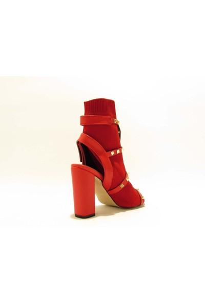 Meshure MSRE951 Kırmızı Kadın Kalın Topuklu Zımbalı Burnu ve Topuğu Açık Valentino Style Ayakkabı