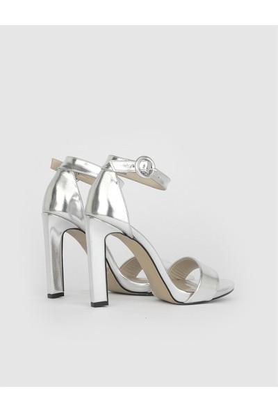 Oshawa Kadın Gümüş Topuklu Sandalet
