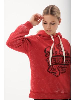 Flamenco Kadın Kırmızı Eskitme Görünümlü Baskılı Sweatshirt