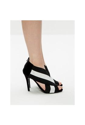 Mecrea Exclusive Bernicio Siyah Beyaz Lastik Tasarımlı Topuklu Ayakkabı