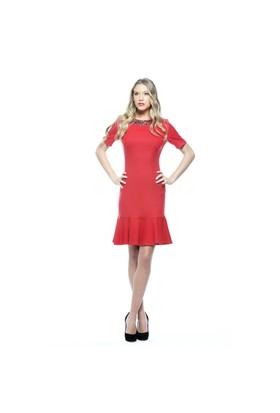 Nelida Eteği Volanlı Yakası İşlemeli Elbise
