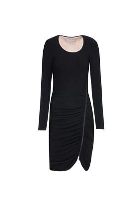 Nisantash Siyah Elbise