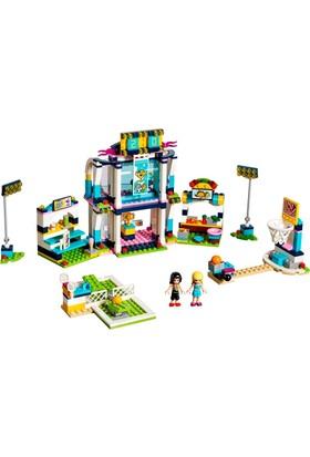LEGO Friends 41338 Stephanie'nin Spor Sahası