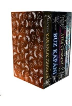 Karanlık Zihinler Serisi Kutulu Set (4 Kitap) - Alexandra Bracken