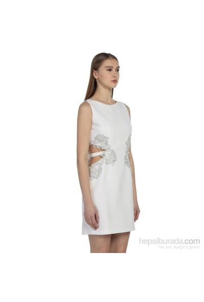 Karahasans Yanları Is¸Lemeli Beyaz Elbise