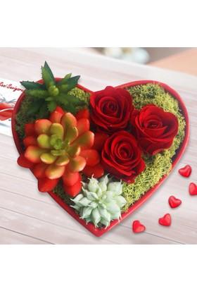 Lezzetli Çiçek Kalp Teraryum Gül Çiçek