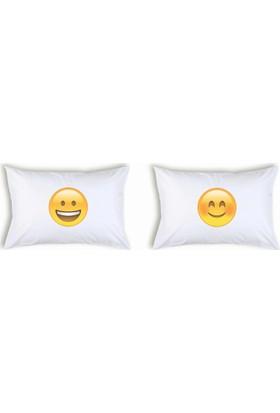Hediye Mucidi Gülen Emoji Çift Yastık Kılıfı