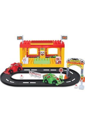 Dede Yollu F1 Yarış İstasyonu 46 Parça Eğitici Lego Seti
