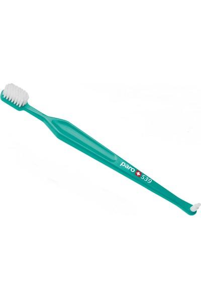 Paro M39 Orta Sert Diş Fırçası