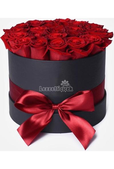Lezzetli Çiçek Sevgililer Günü Silindir Kutuda Canlı Güller