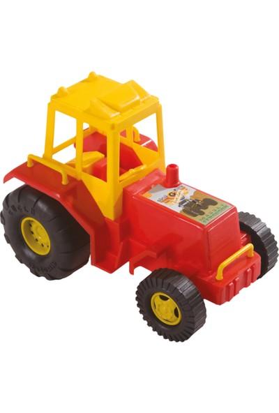 Güçlü Büyük Traktör