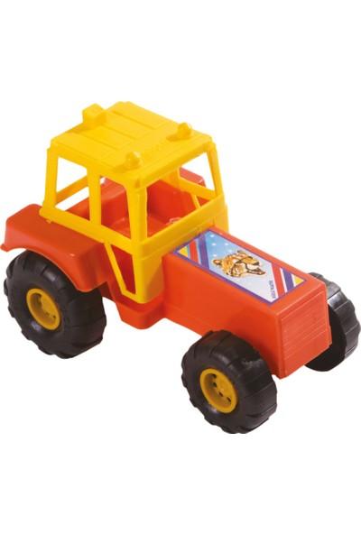 Güçlü Küçük Traktör