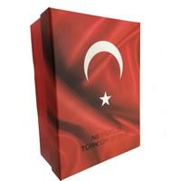 Rasyonel Ne Mutlu Türk'üm Diyene Baskılı, Bayrak Desenli Hediye Kutusu