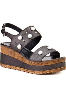 Cabani Taş Aksesuarlı Dolgu Topuk Günlük Kadın Sandalet Siyah
