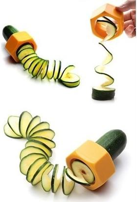 Pratik Şeyler Spiral Salatalık Dilimleyici