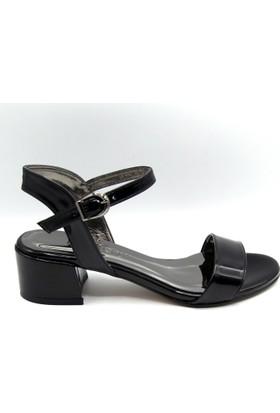 Palet Kadın Klasik Siyah Rugan Açık Ayakkabı