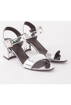 Mecrea Kadın Dabney Gümüş Ayna Topuklu Sandalet