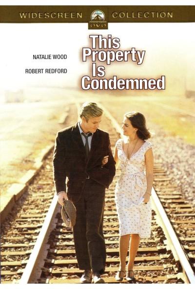 This Property Is Condemned - Lanetli Kadın