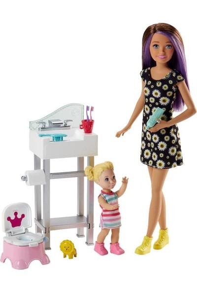 Barbie Bebek Bakıcılığı Oyun Seti FHY97-FJB01
