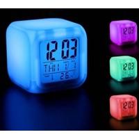 Pratik Renk Değiştiren Alarmlı Dijital Küp Saat
