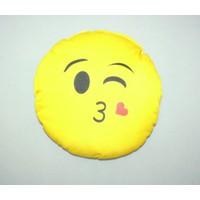 Boostzone Öpücük Yollayan Emoji Boyun Yastığı Minderi