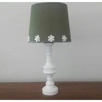 Lambada K240 Çiçek Aksesuarlı Beyaz Torna Ayaklı Keten Şapkalı Abajur Yeşil