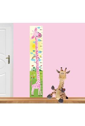 DekorLoft Yavru Zürafa Boy Ölçer Sticker DBC1 Pembe