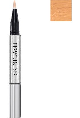 Dior Skinflash Backstage Makeup Radiance Booster Pen Aydınlatıcı Renk: 003 SunBeam