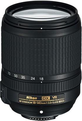 Nikon D5600 18-140mm DSLR Fotoğraf Makinesi + Battery Grip + Çanta + 16 GB SD Hafıza Kartı