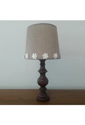 Lambada K241 Çiçek Aksesuarlı Ceviz Renk Torna Ayaklı Keten Şapkalı Abajur Bej