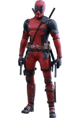 Hot Toys Marvel Deadpool Sixth Scale Figure