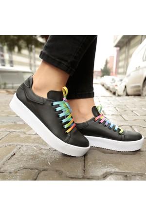 İnce Topuk Kalın Tabanlı Spor Ayakkabı
