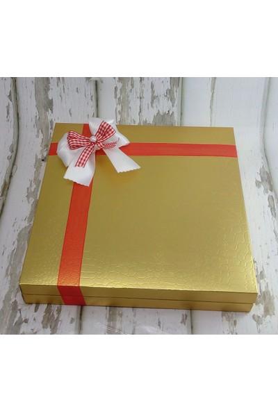 Miss Cici Etiketli Hediyelik Yılbaşı Çikolatası 64 Adet