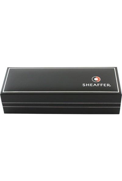 Sheaffer 9474-0 Sagaris Kendinden Çizgili Altın Rengi Gövde Kapak Ve Klips Dolma Kalem