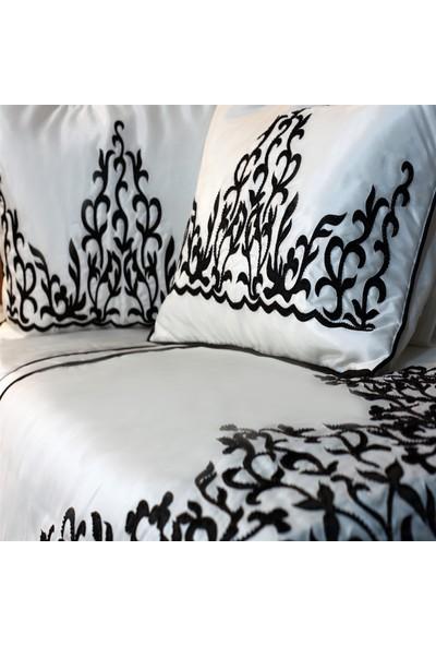 Senin Tarzın Laure Boncuk İşlemeli Yatak Örtüsü