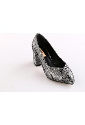 Dgn Kadın 144 - 6 Simli Desenli Sivri Burun V Kesim Dekolte Kısa Topuklu Ayakkabı Gümüş