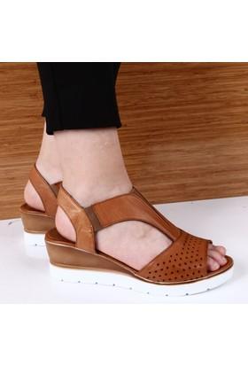 Dgn Kadın İçi Dışı Deri 5 cm Dolgu Taban Yanı Lastikli Sandalet Prs185 Taba