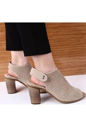 Dgn Kadın 3439 Lazerli Arkası Cırtlı Topuklu Sandalet Bej Nubuk