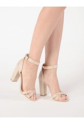 Mecrea Kadın Andrea Bej Süet Topuklu Sandalet
