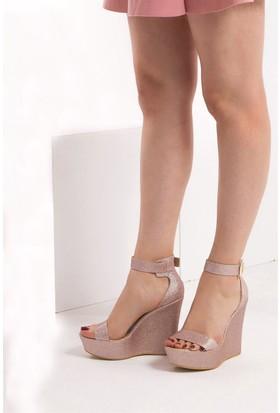 Fox Shoes Pudra Kadın Dolgu Topuklu Sandalet 9459608146