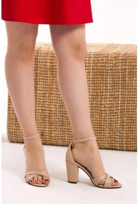 Fox Shoes Ten Kadın Topuklu Ayakkabı D572223309