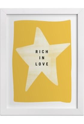 Ahşap Mahzeni Çerçeveli Tablo Yazılı (Rich İn Love Sarı)